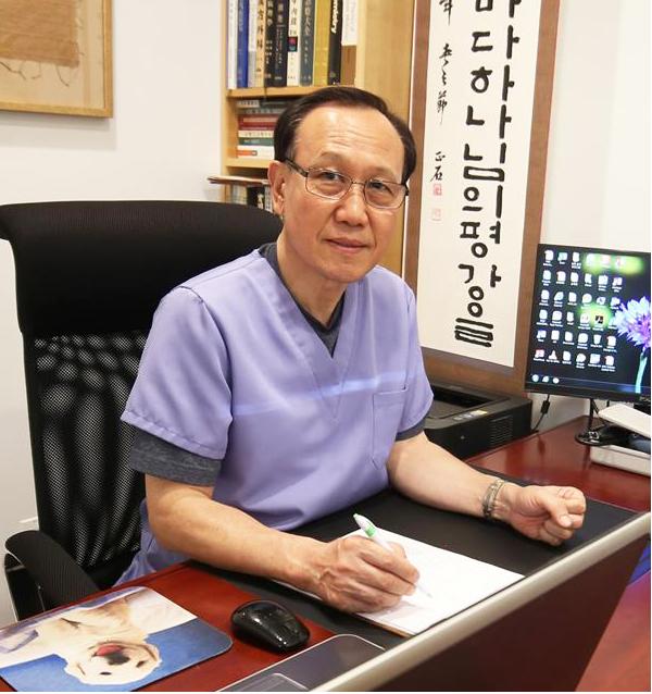 Dr Daniel B. Choi